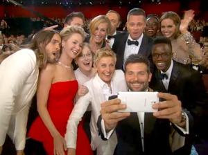 1394132851_ellen-degeneres-oscars-selfie-467